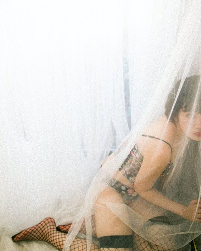 自分のこと、置いてけぼりにしてない?・model @babyikillyou lingerie @yourlochie hairmake @tsuru.hairmake styling photo @9noah5 ・#charmingjournal#lingerie #バスト大きめさんの味方