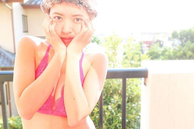 きゅんとしていたいことの、何が悪いのさ。model @drop_83 lingerie @victoriassecret photo @9noah5 #charmimgjournal#lingerie #バスト大きめさんの味方